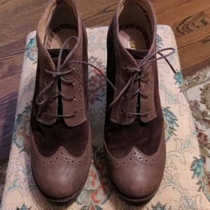 Sperry suede lace up oxfords